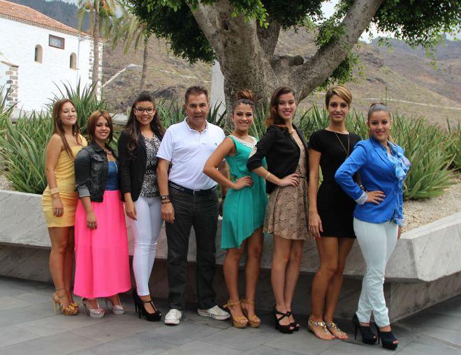 El alcalde de Adeje, José Miguel Rodríguez Fraga, estuvo acompañado por las distintas reinas de los barrios del municipio sureño.