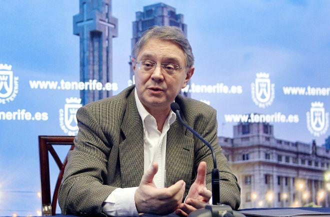 Víctor Pablo Pérez, en la rueda de prensa.