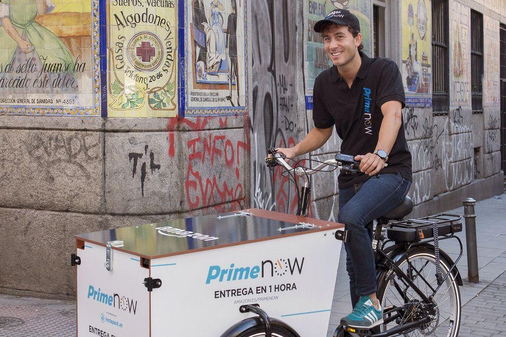 Fotografía facilitada por Amazon que ha lanzado esta medianoche en España la venta de productos frescos, un segmento que por ahora se le resiste al comercio electrónico, y ha dado un paso más en su apuesta por captar clientes.