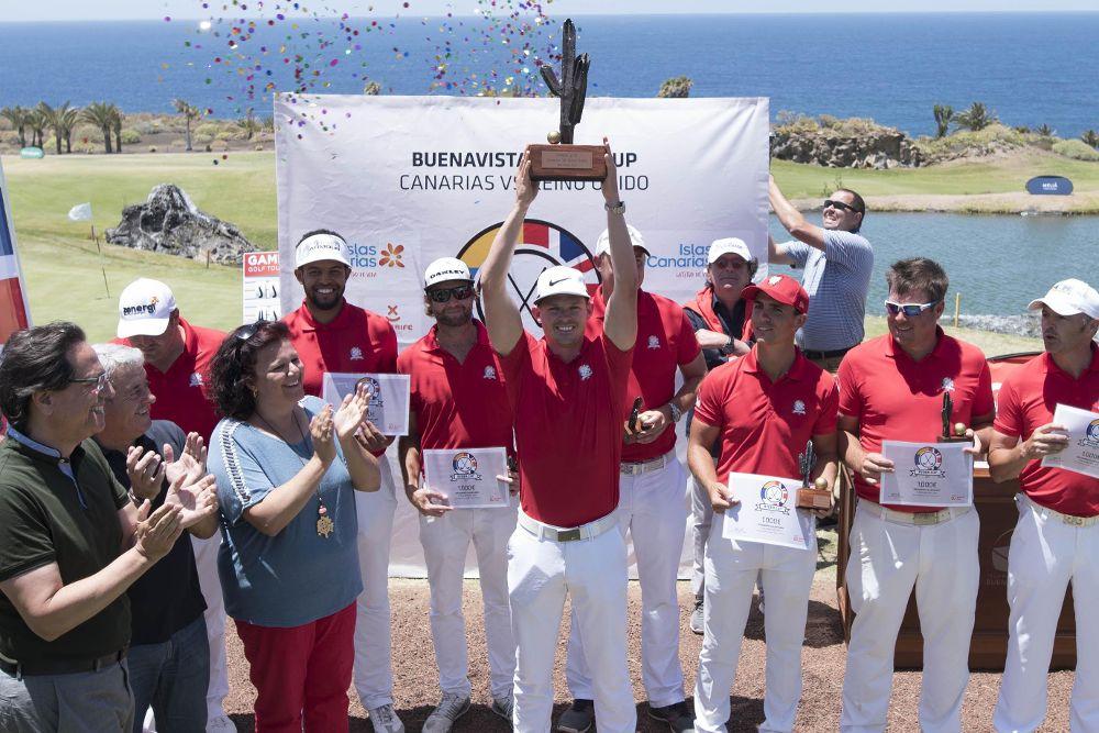 El equipo británico levantó finalmente el trofeo de campeón.