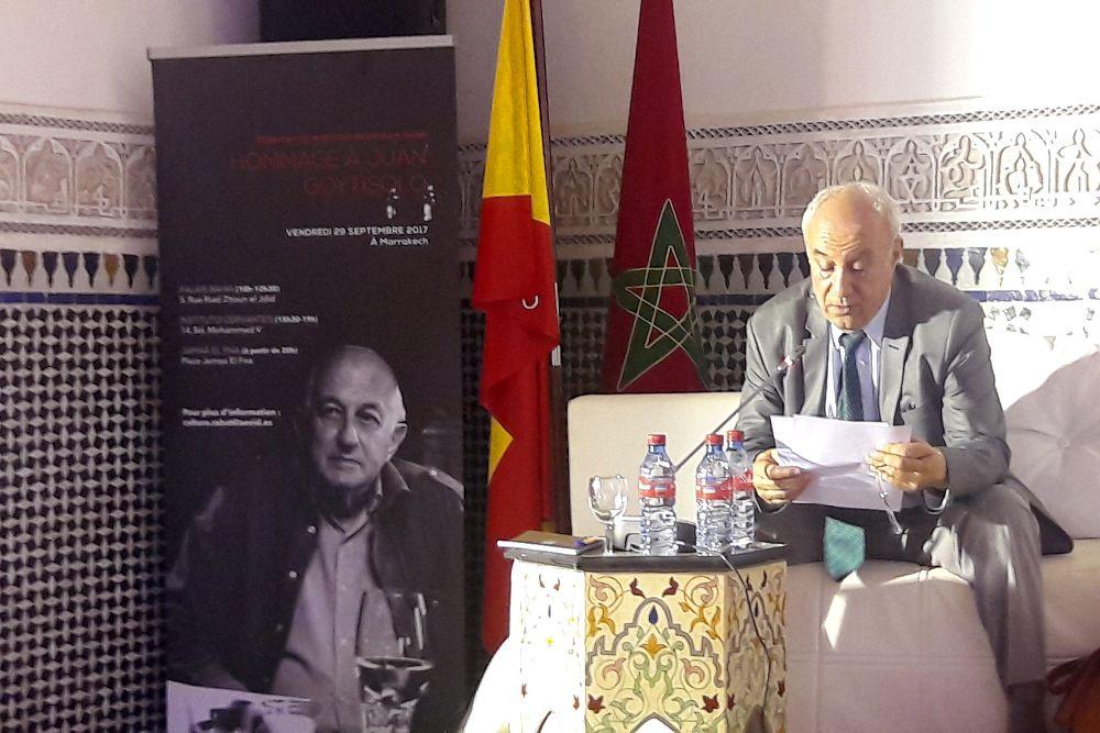 El traductor Hussein Bouzineb interviene en el homenaje al escritor Juan Goytisolo.