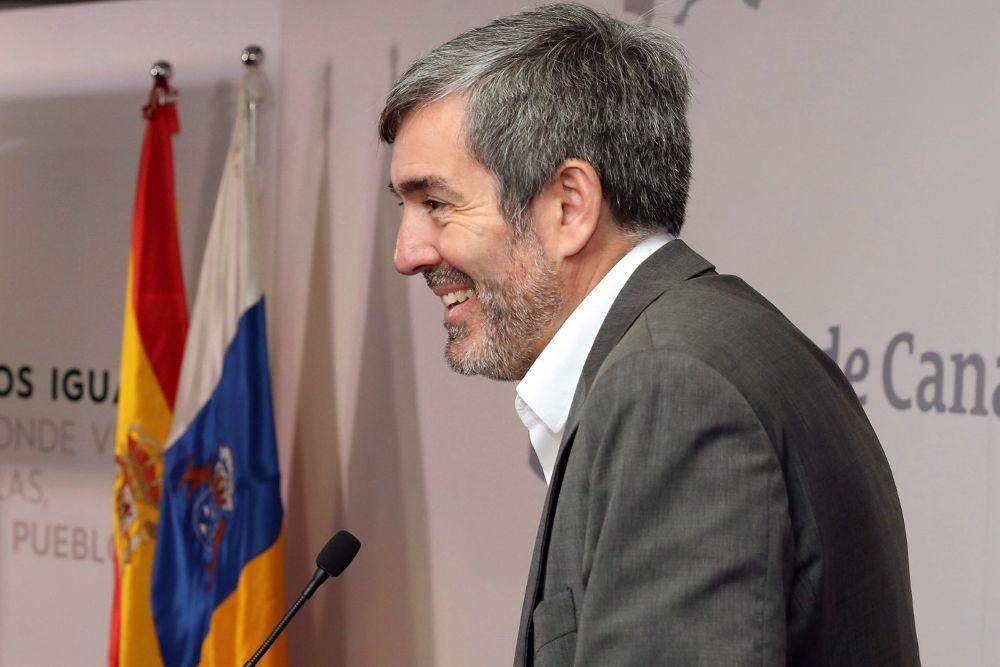 """Clavijo acusa a Podemos de """"demonizar"""" el """"logro histórico"""" del descuento del 75%"""