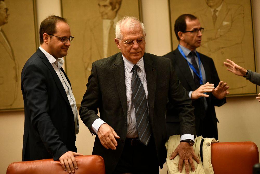 El ministro de Asuntos Exteriores, Josep Borrell, ha sido el encargado de tomar la decisión.