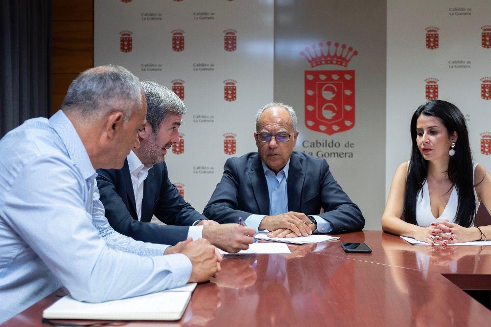 Reunión de Fernando Clavijo con Casimiro Curbelo.