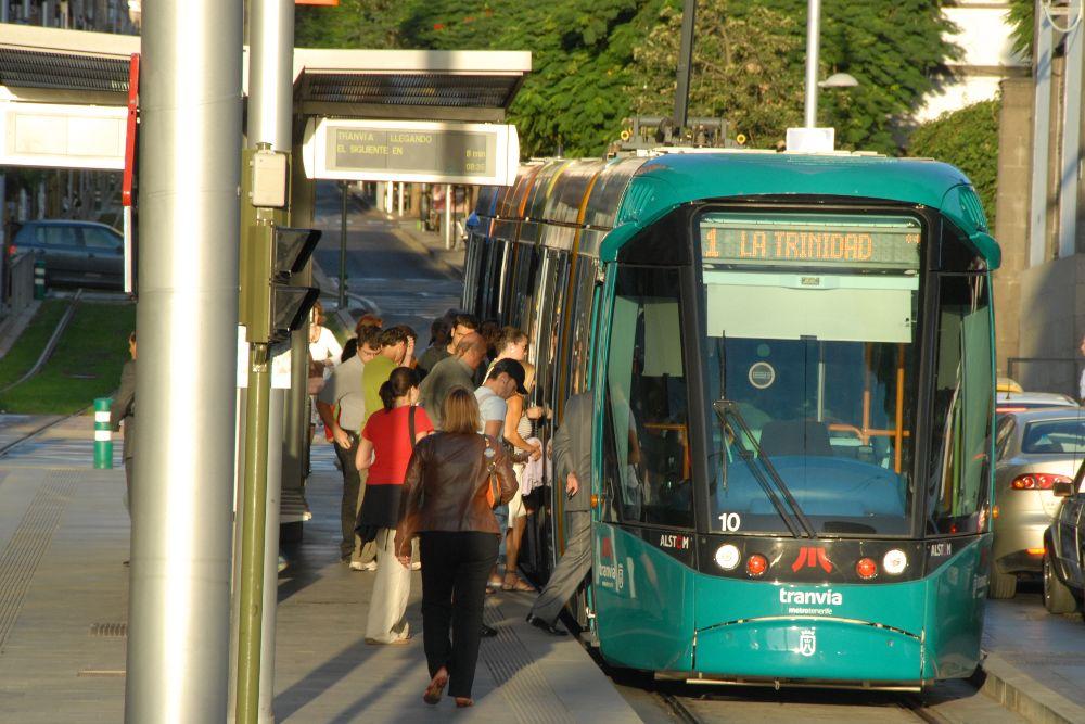 Fijan unos servicios mínimos del 75% en la huelga del tranvía
