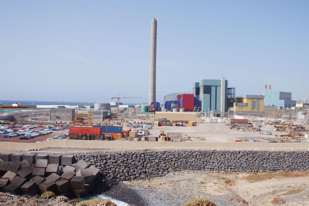 La regasificadora estaba proyectada en terrenos anexos al puerto de Granadilla.