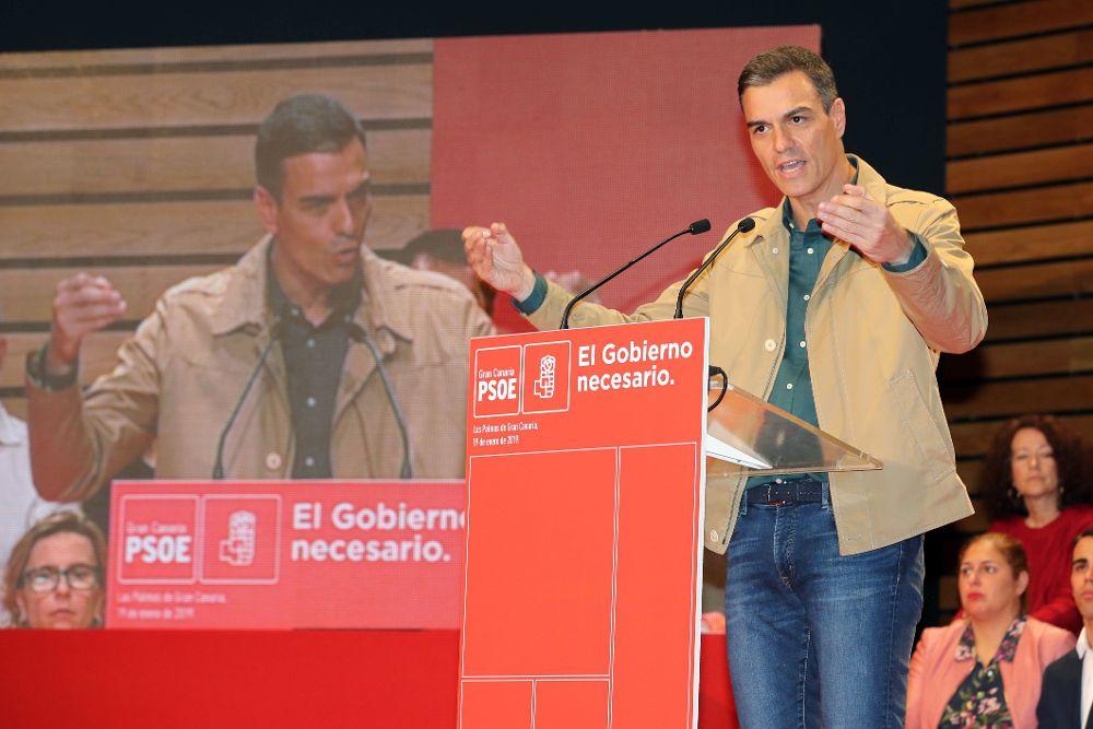 El presidente del Gobierno, Pedro Sánchez, durante su intervención en la clausura este sábado de la conferencia municipal organizada por el PSOE de Gran Canaria.