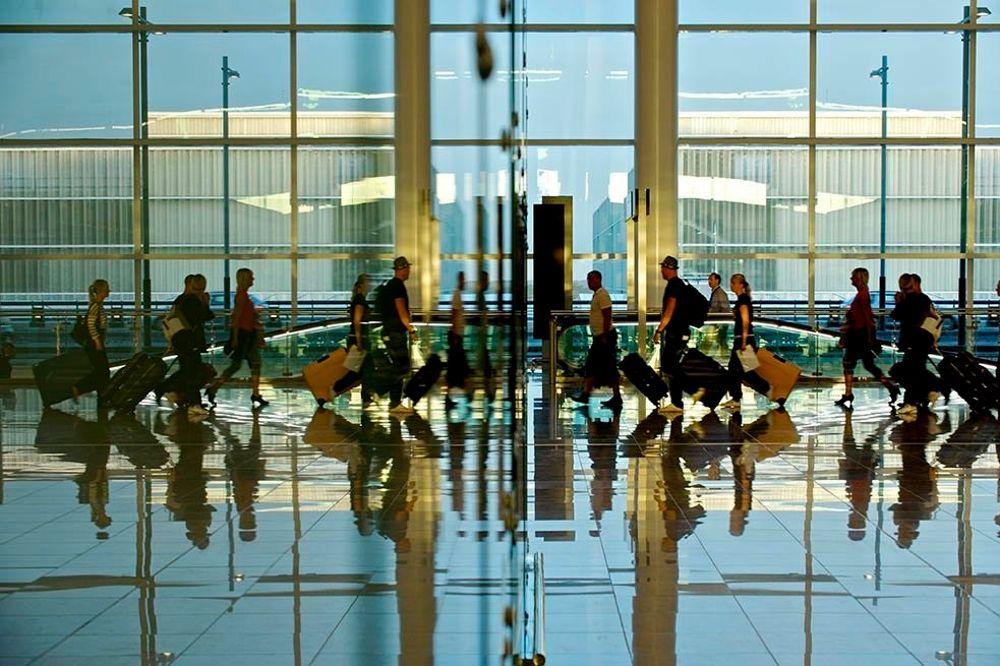 El tráfico de pasajeros aumenta un 1,6% en los ocho aeropuertos canarios