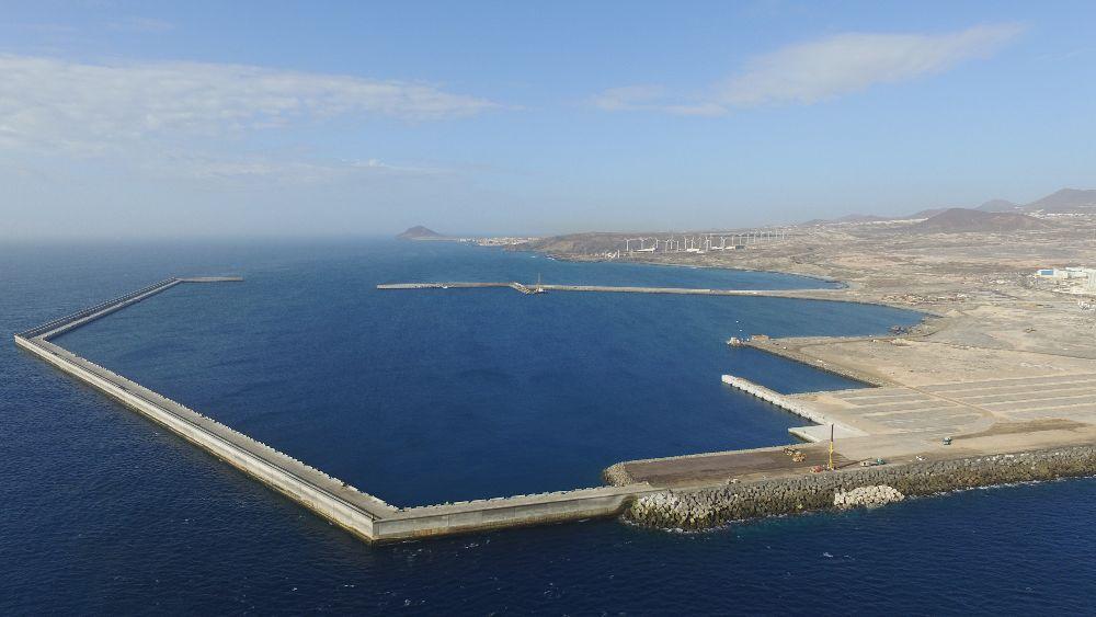 El puerto de Granadilla contará con un gran parque eólico marino