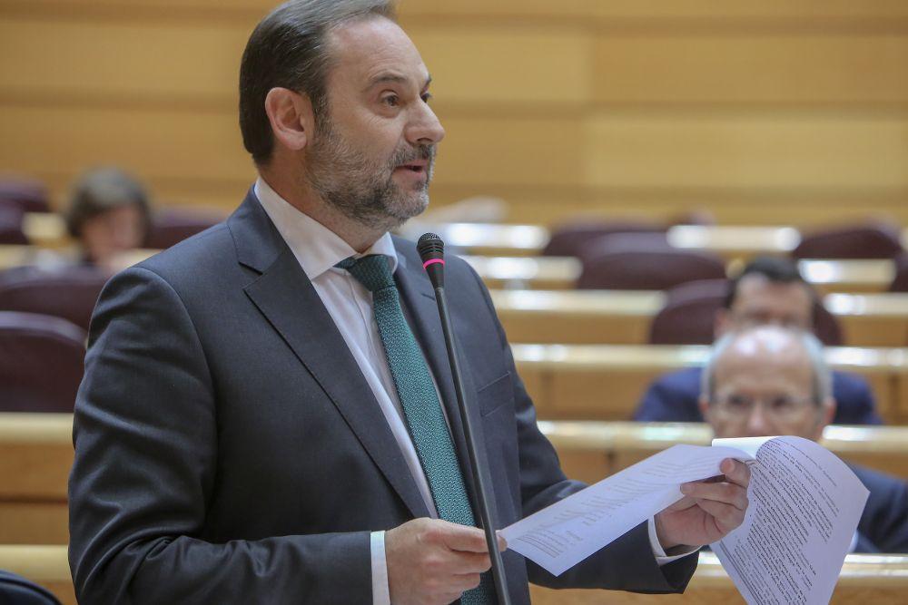 El ministro de Fomento José Luis Ábalos durante el pleno en el Senado.