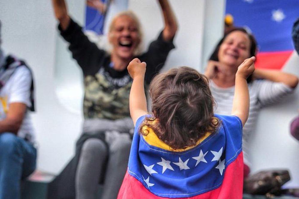 Una manifestación en Santa Cruz de Tenerife reclama ayudas para el pueblo venezolano