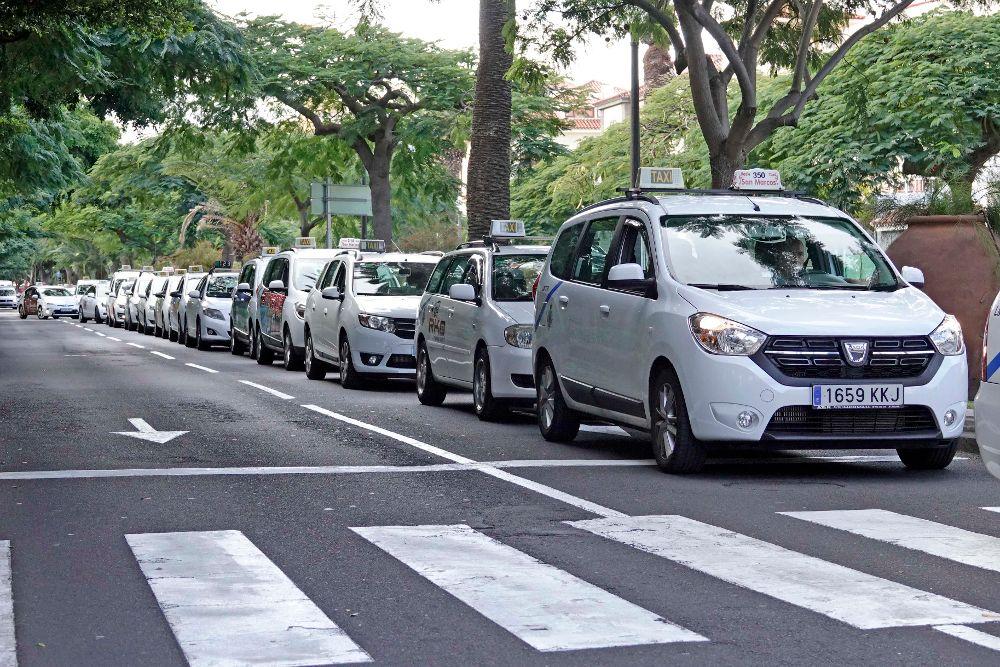 Taxis estacionados en Santa Cruz durante la huelga del año pasado.