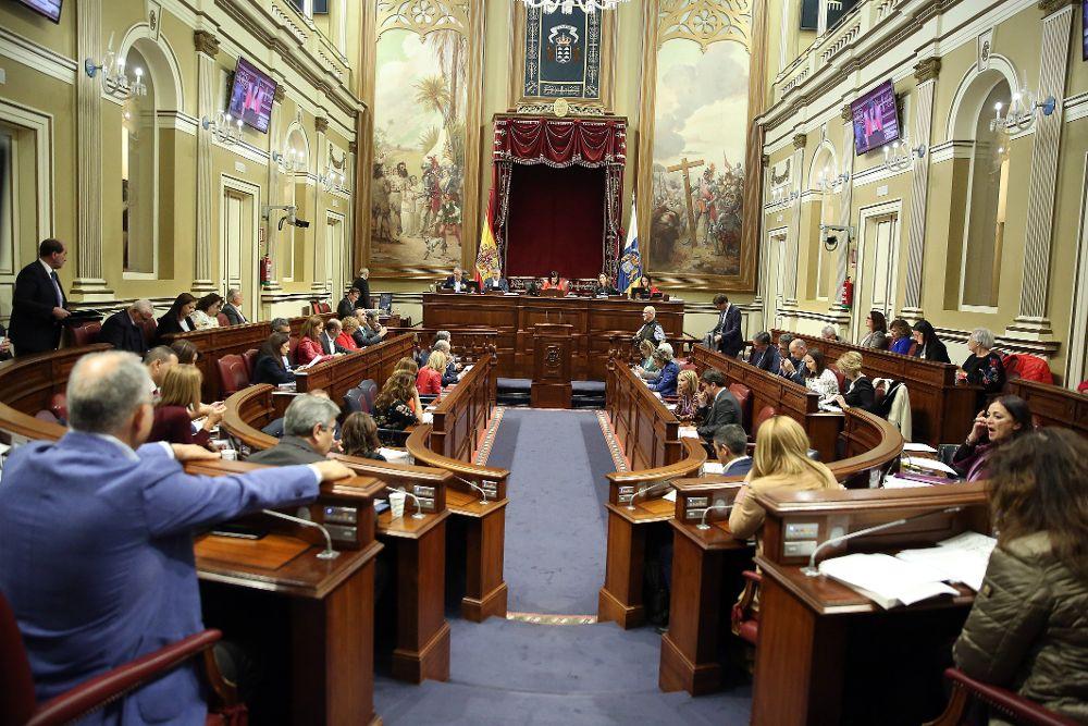 El pleno del Parlamento de Canarias celebró este martes su última sesión de la legislatura.