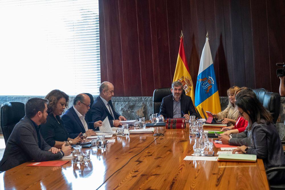 Canarias aprueba la financiación del transporte escolar adaptado hasta 2022