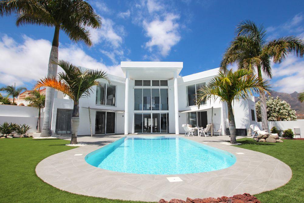 La compra de vivienda de lujo da derecho a residir a 52 extranjeros